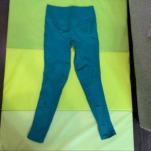 Lululemon Compression tights sz 6